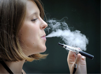 Bahaya Sering Isap Rokok Elektrik