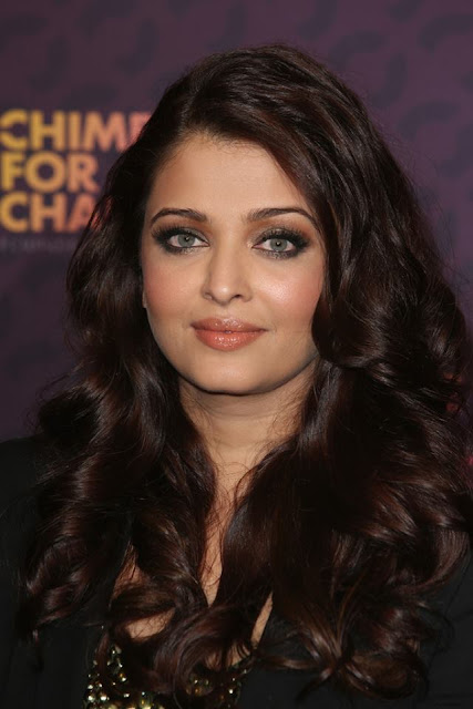 Bollywood Sweet Couple Aishwarya & Abhishek at Chime For Change concert
