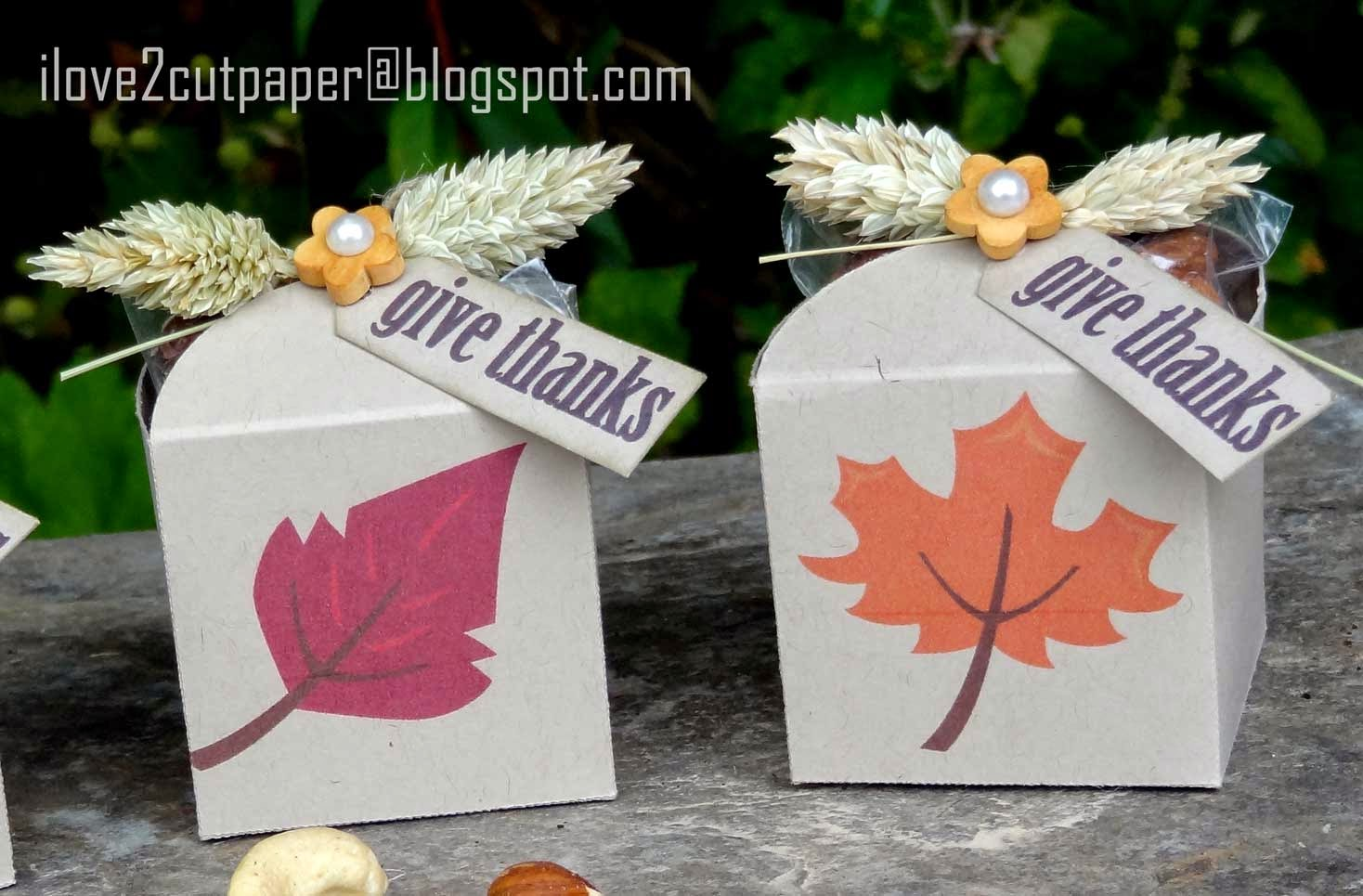 Leaf Favor Boxes using Print and Cut