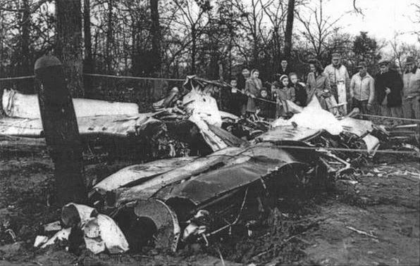 Wreckage of Captain Mantell's F-51D Mustang, 43-63869.