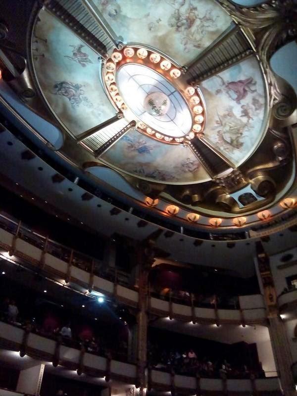 Programación de Octubre 2014 en el Teatro de la Ciudad Esperanza Iris