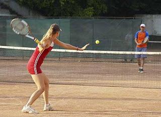 http://www.tutorialolahraga.com/2015/10/peraturan-permainan-tenis-lapangan.html