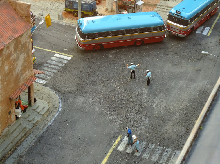 Miniatura do ônibus Cermav 2ª edição 2012