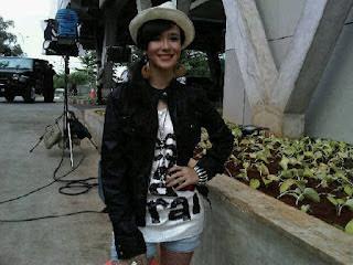 Pamela Bowie ( Mawar / Bintang Iklan XL )