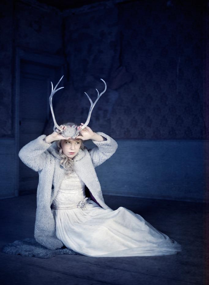 Bryllupsbilder av tøff brud, orginalt bryllupsbilde med horn, Bryllupsfotograf Trine Bjervig, vestfold