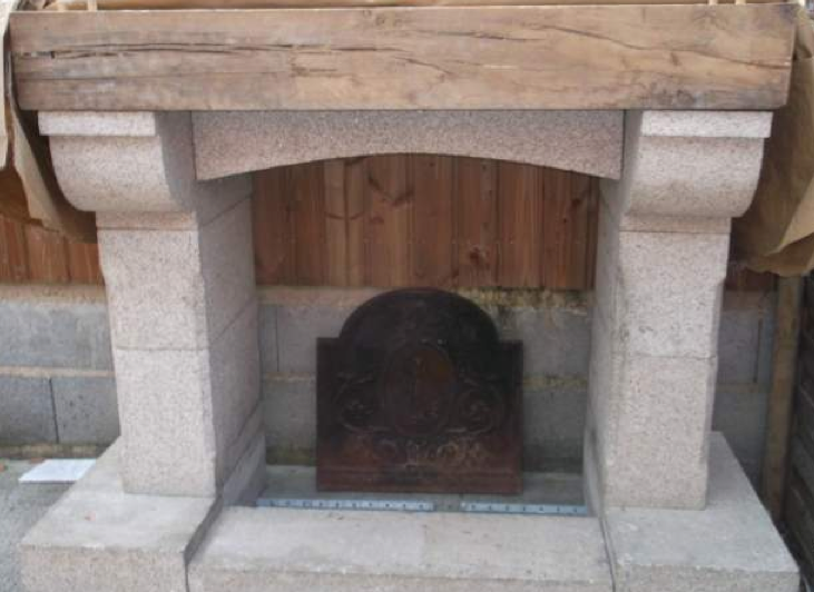 Stone Fireplace | Cheminee Pierre