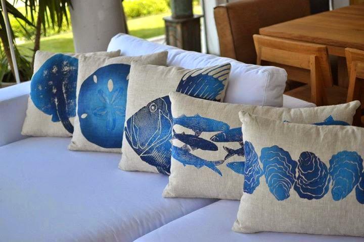 Almohadones para decorar con animales marinos en crudo y for Almohadones para sillones