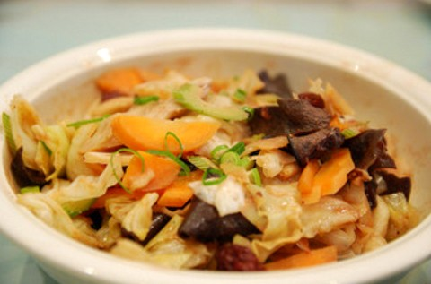 Mushroom salad with carrot and bean curd