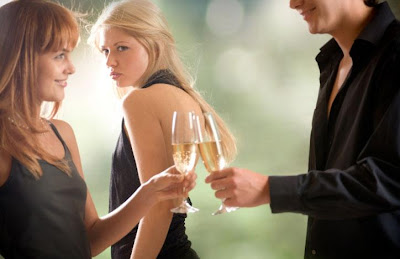 woman jealousy - Why Are They Still Friends? ( When your boyfriend's exes won't go away!!)