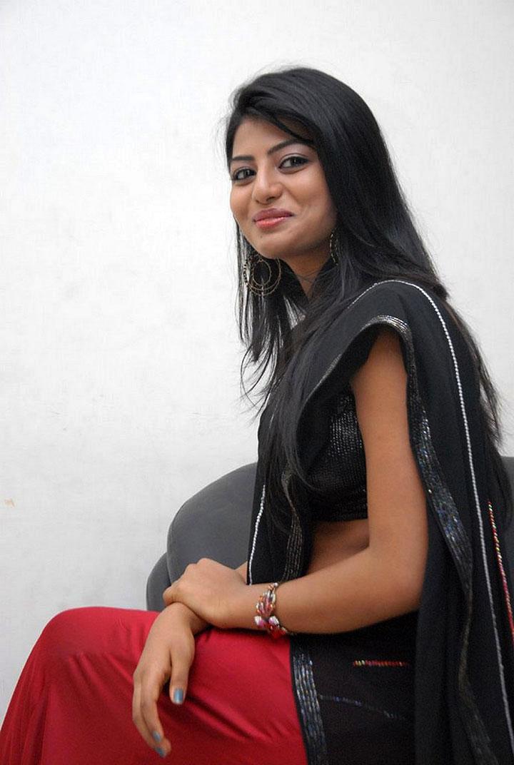 Bus stop fame cute desi girl haasika latest photos in half saree