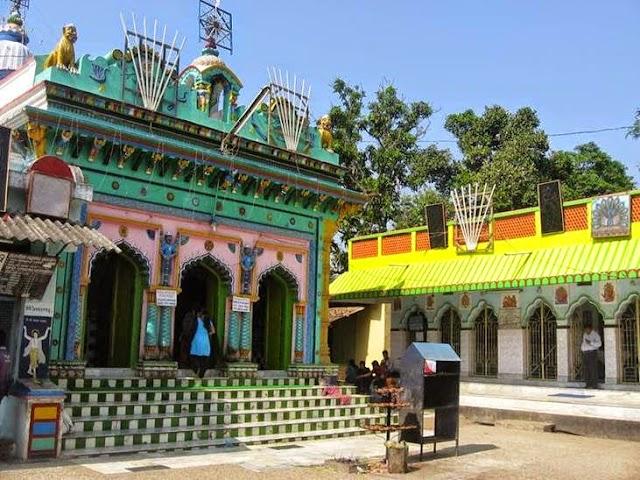 Sri Sri Khirachora Gopinatha Tempel.