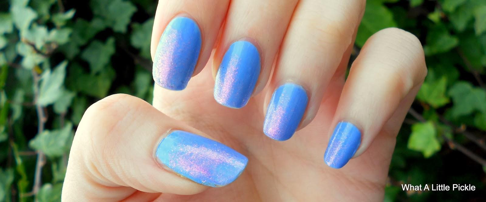 Blue Nails, Nail art