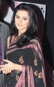 Profil, Biodata dan Foto Rinddhi Dogra Pemeran Savitri ANTV