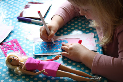 Barbie Design and Dress Studio Doll Drawing