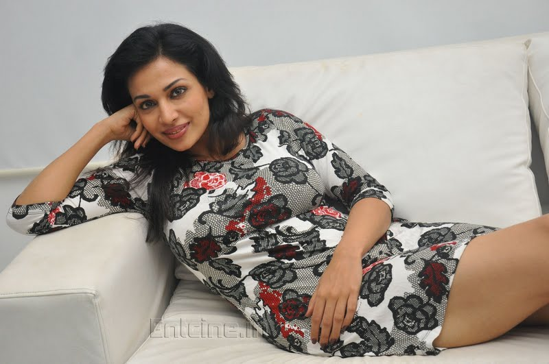 Model Mayuri Biography and Photos