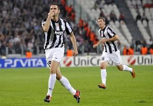 Juventus sigue complicando su clasificación
