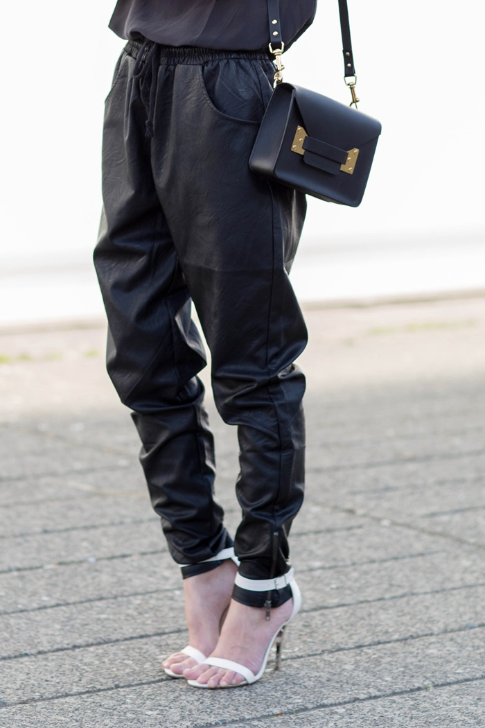 von vogue minkpink faux leather jogger