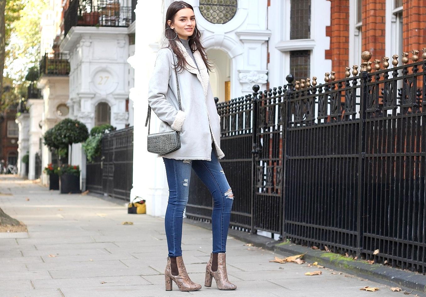 peexo fashion blogger wearing shearling