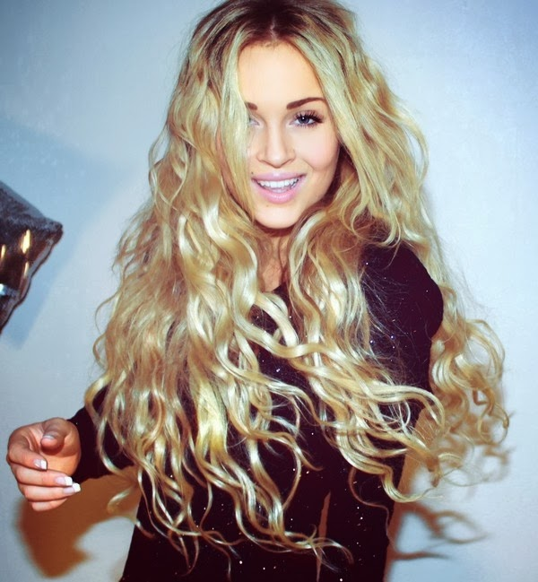 Due to perm hair that most women want to have impressive views. Wavy ...