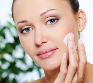 Can You Use Body Lotion On Your Face? - Makeup And Beauty Home
