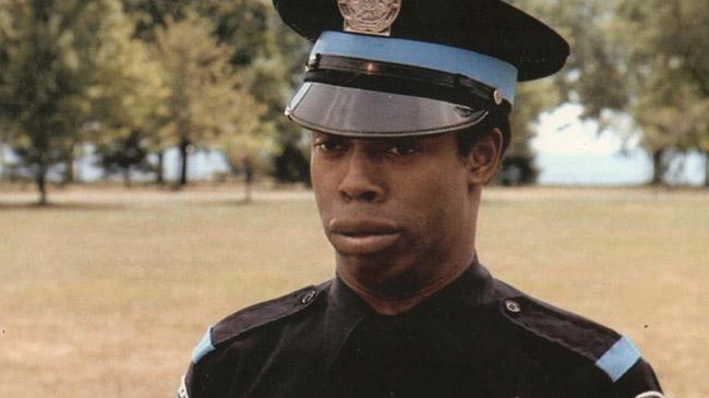 Sargento Jones de Loca academia de policía