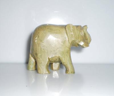 Zöldes kő elefánt