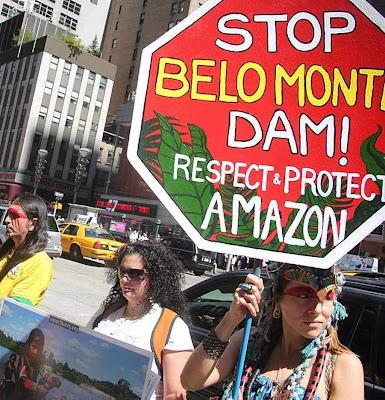 Ativismo teatral de ONGs em Nova York desconhece o Brasil