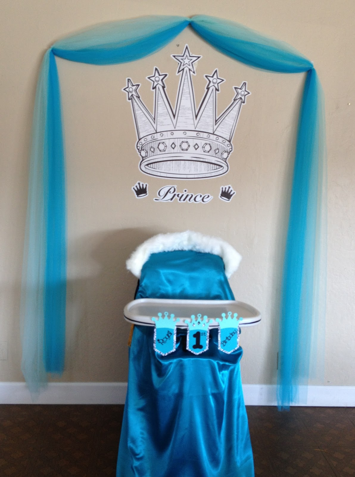 Close Up Of The Highchair Birthday Throne Made By Lukes Mommy If You Look At Back Chair She Added A Cloak To