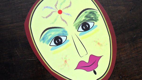 Máscaras nacionais para a pessoa durante 40 anos