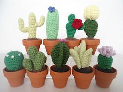 Opskrift på små hæklede kaktusser