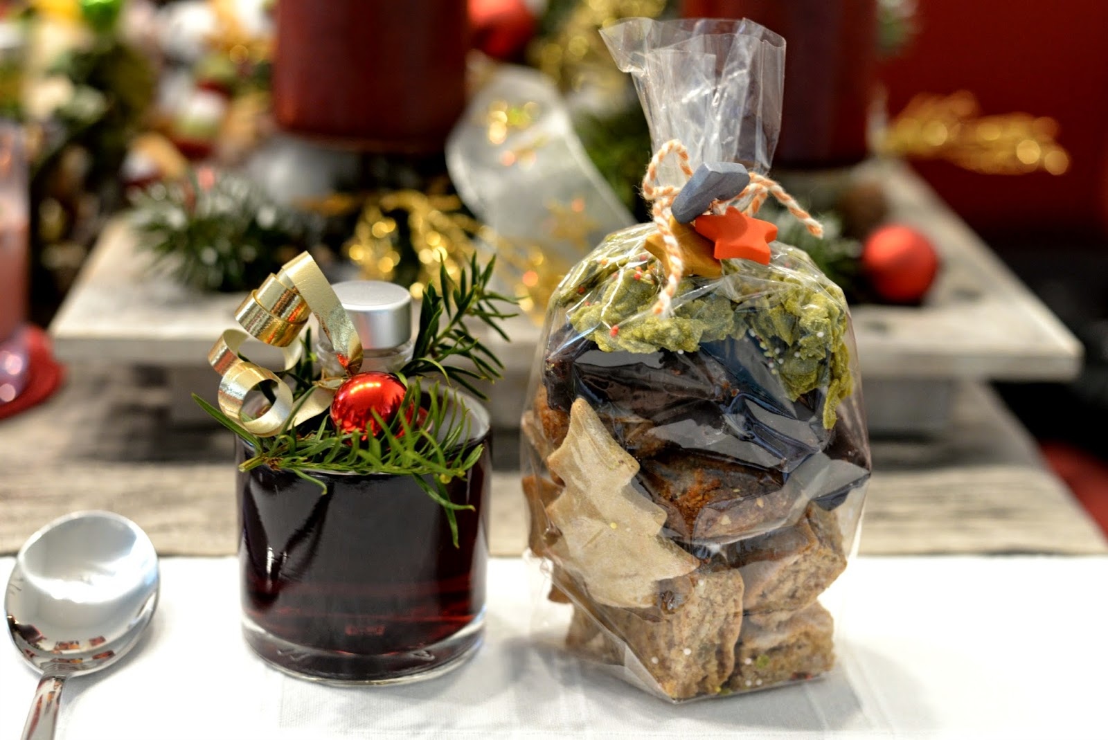 Rotweinlikör, Likör, Mitbringsel, Geschenke, Kekse, vegan, dinner, weihnachten, weihnachtsdinner, advent