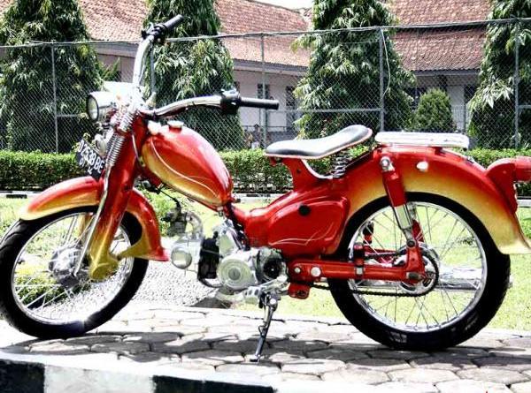 Honda C70 Modifikasi Motor Bebek Keren Reviewed by Anggara Widhitomo  title=