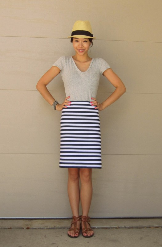 High-waisted maxi skirt, blue and white stripes skirt, shirt Zeagoo Vintage High Waist A Line Midi Pleated Flare Swing Skirts for Women with Belt. by Zeagoo. $ - $ $ 9 $ 24 99 Prime. FREE Shipping on eligible orders. Some sizes/colors are Prime eligible. out of 5 stars