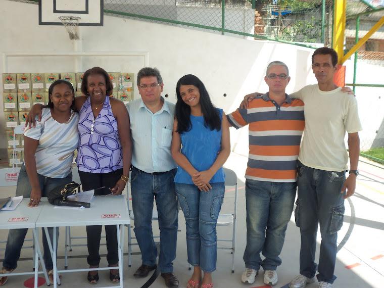 Equipe do cras ,  a coordenadora geral dos Cras Patrícia Neves.