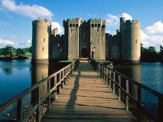 Bodiam Castle and Bridge Wallpapers