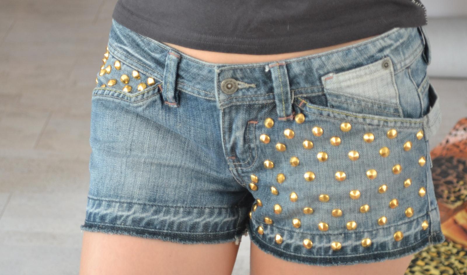 Как сделать модные дырки на джинсах Женский журнал - Girl-Magazine