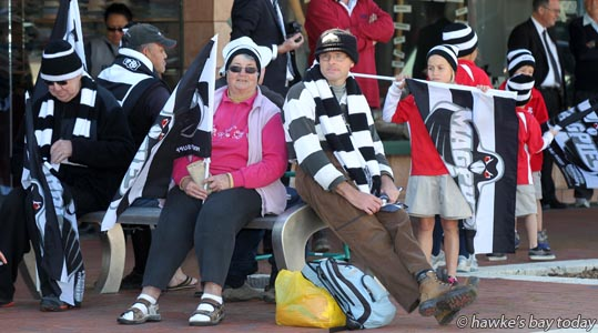 Pink: Peggy Gyde, Hastings - Parade in Hastings for the Hawke's Bay Magpies rugby team, followed by a mayoral reception, civic reception at Civic Sqaure. Winners of the Ranfurly Shield, after beating Otago 20-19 in Dunedin on Sunday photograph