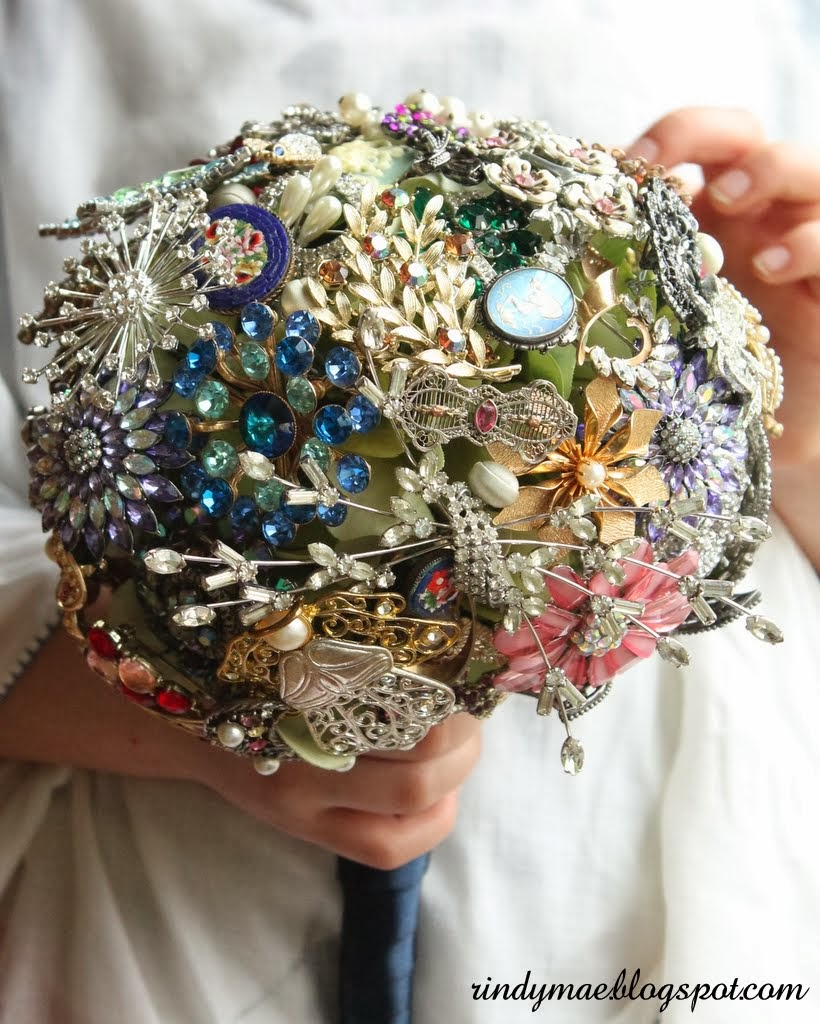 Rindy mae diy brooch bouquet my sisters childhood friend is getting married this month and she contacted me to see if id be interested in taking on her brooch bouquet project izmirmasajfo