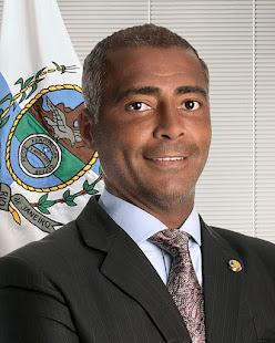 """""""SENADOR ROMÁRIO , Genial nos gramados, Romário agora é um campeão a serviço do povo.""""PODEMOS +"""