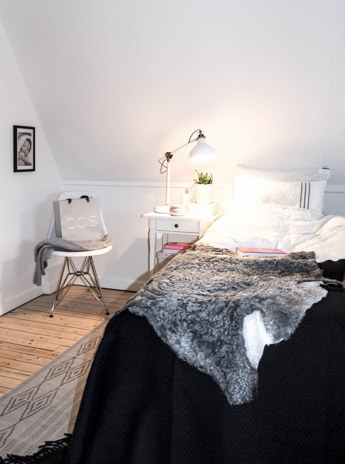 House No.31: ROSA & GRÅ TONER I SOVRUMMET