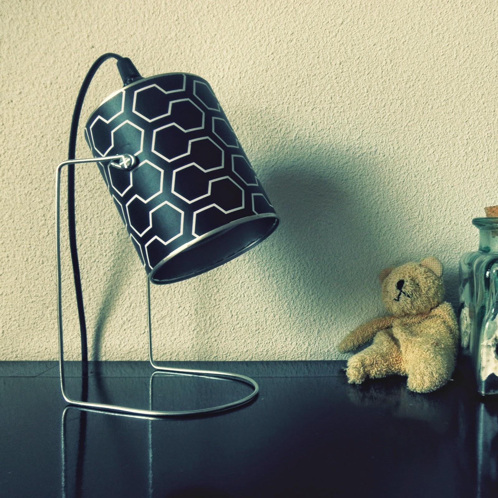 le blog de mr et mrs bin lampe spot boite de conserve. Black Bedroom Furniture Sets. Home Design Ideas