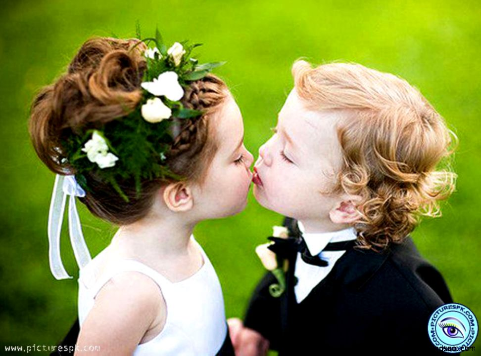 Baby cute kiss hd desktop high definitions wallpapers view original size voltagebd Choice Image