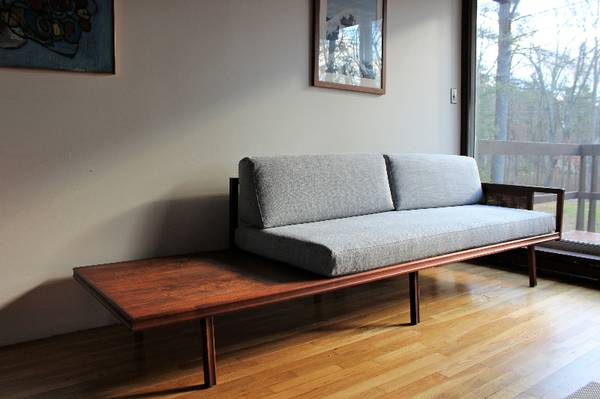 Blue lamb furnishings mid century modern daybed sofa sold for Mid century modern day bed