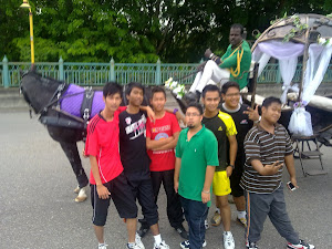 FrEnZ aT A'FamOsa rEsOrt