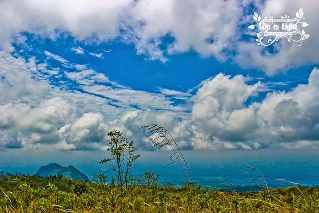 merapi dan awan bergelora
