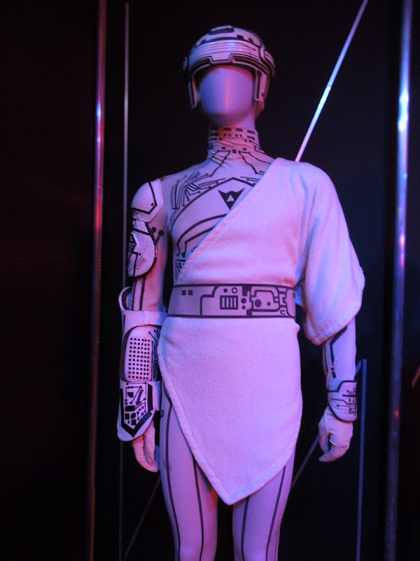 Kevin Flynn Tron costume