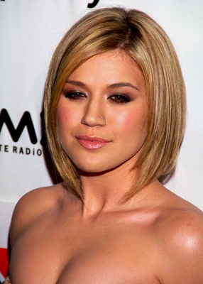 Kelly Clarkson Hair Color Pictures