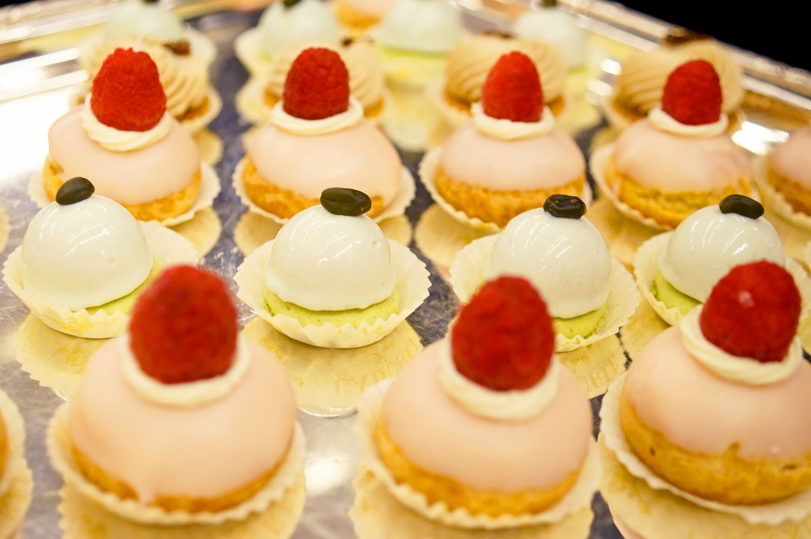 Cute and delicious french desserts from Ladurée