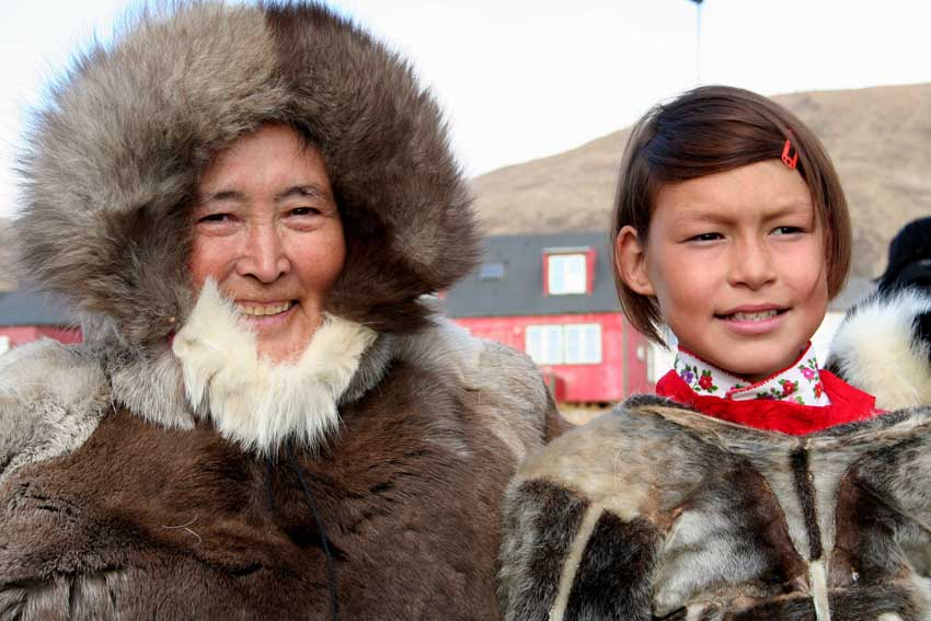 a look at the different subcultures of the inuit people Although most inuit people today live in the same community year-round  there are people of different cultures and backgrounds who live in the arctic region.