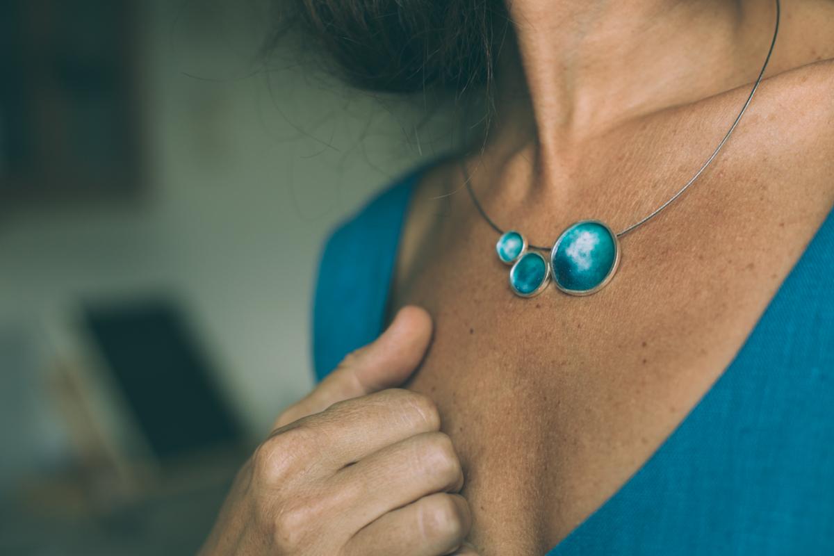 Joies de l'Anna Panyella + vestits d'Inhala Exhala